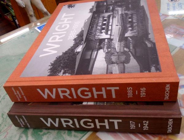 Frank Lloyd Wright set